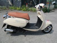 DAELIM BESBI 125cc SCOOTER