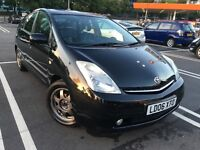 Toyota Prius 2006 (06reg) Hybrid, Automatic, Free Road Tax, Very Good condition.