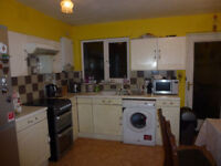 Spacious 2 bedroom house available in Newbury Park, IG2.