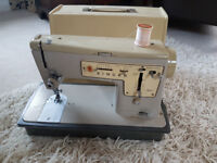 Singer Stylist 457 Zig Zag Electric Sewing Machine.