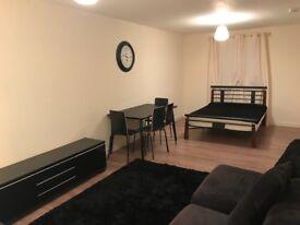 Lovely room for couple in Chesser