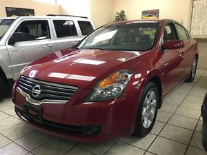 2009 Nissan Altima 89000 kms, One owner Accident free