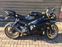 Yamaha r6 in Black And Gold