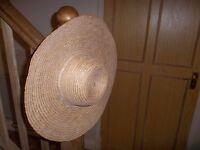 Sun Hat - Sunhat in good condition