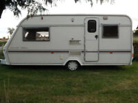 LUNAR CLUBMAN 475-2 EK 2 BERTH CARAVAN WITH FULL AWNING AND EXTRAS READY TO GO