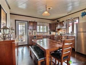 98 000$ - Maison 2 étages à vendre à Péribonka