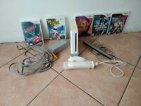Mint condition Nintendo wii with a bundle of games