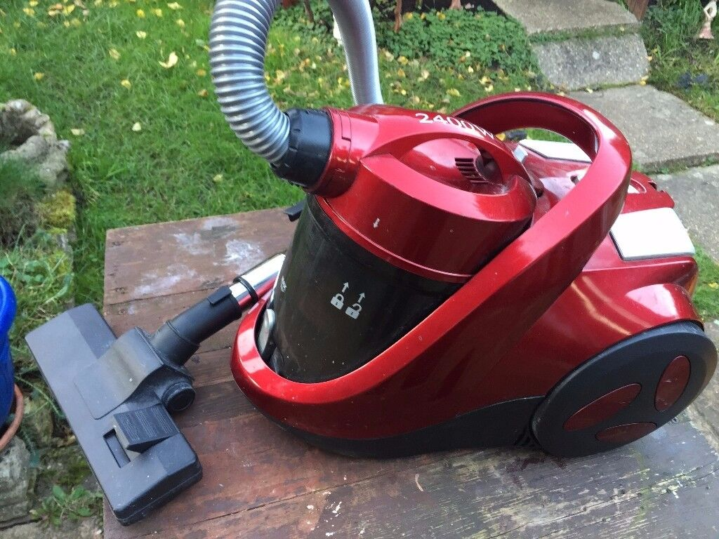 Small powerful vacuum cleaner