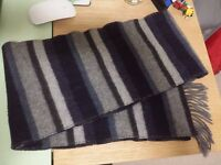Wool scarf, new, £5