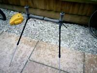 Collapsible fishing pole roller