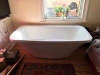 Bath - Modern freestanding acrylic bath
