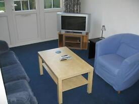 House 4 Bed BathShower 2WC Kitchen Sitting Room Doors To Patio Lawn Very Near Tube Shops Park