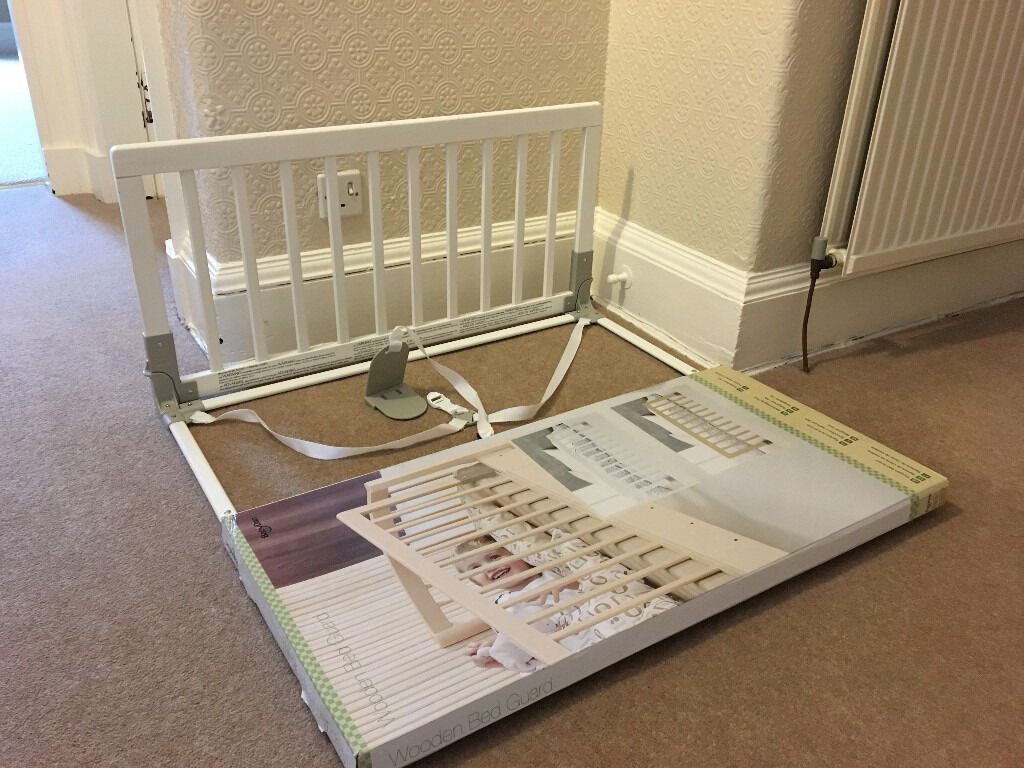 BabyDan Wooden Bed Guard Rail White Excellent Condition In Box With Instructions