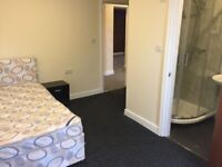 1 Bedroom, En-suite, BILL'S INC, newly renovated, near transport, Tescos, shops, banks, KFC,Gorton,