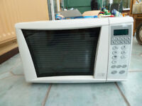 Microwave Oven by Cookworks