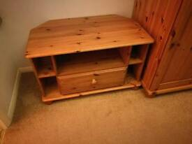 Solid wooden sideboard unit