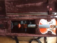 3/4 Viola in Excellent condition including case - great starter instrument