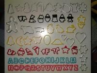 70 BISCUITS/CAKES/COOKIES METAL+PLASTIC CUTTERS
