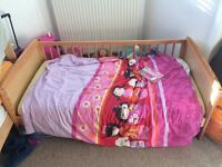 Free pine toddler bed, with mattress, duvet and bedding sets