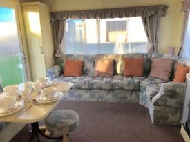 Caravan FOR SALE Clacton on Sea 2 bedrooms fees included Martello Beach