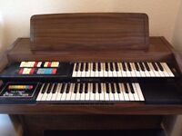 Hammond organ Model 124JM3 and music stool - excellent condition