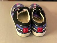 Bucketfeet designer canvas shoes like vans. For holiday/beach. Size 8.