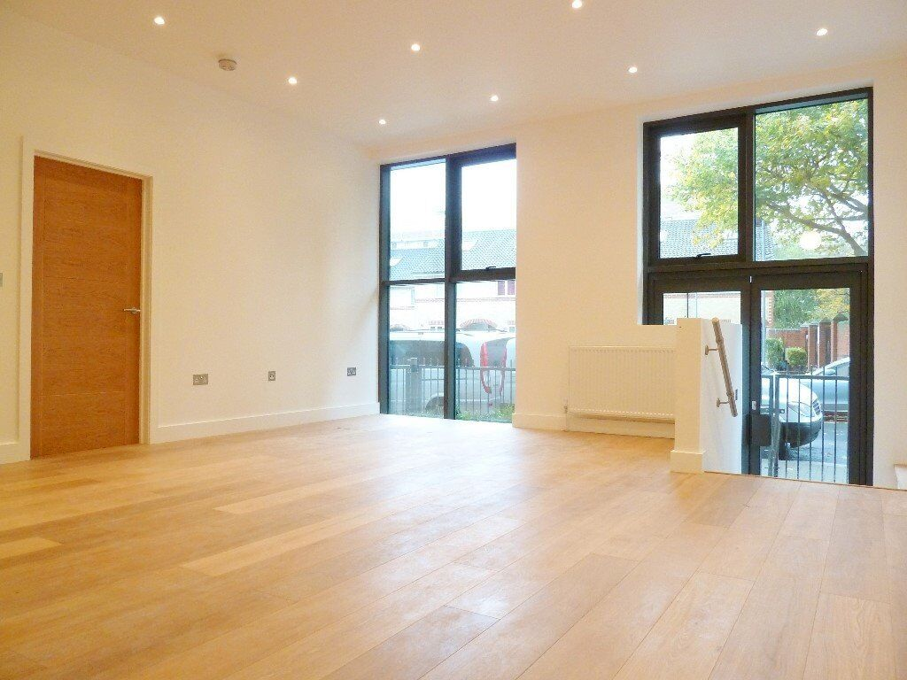 Newly Refurbished Modern 1 Bed Apartment With Beautiful Roof Terrace Mins Away From Clapham Junction