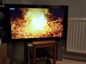 """Pioneer 43"""" inch Plasma TV PDP-435PE with Speakers & Media Box, Made in UK, picture in picture"""
