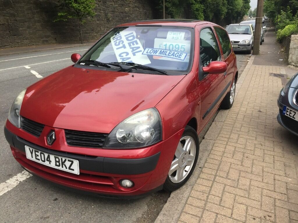 2004 renault clio dynamique 16v red in halifax west yorkshire gumtree. Black Bedroom Furniture Sets. Home Design Ideas