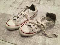 Converse All White (size 5)