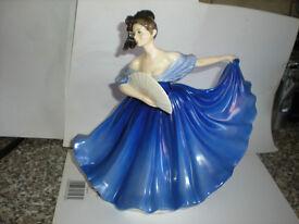 royal doulton figurine elaine 1979 made in england