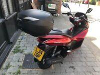 HONDA PCX 125cc DRAGON RED 14 plate low mileage hpi clear!!
