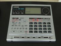 BOSS DR-880 DR RHYTHM DRUM MACHINE. IMMACULATE CONDITION WITH ORIGINAL MANUAL, PSU, CD-ROM AND BOX.