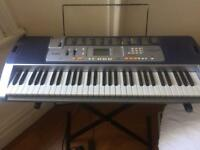 Electronic keybord / piano with key lighting