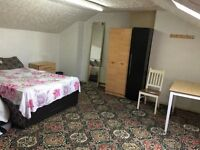 Double Room for rent to Female stufent or Professional Near Birmingham city centre, Aston University