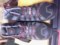 MENS SIZE & CATERPILLAR WORKING HIKING BOOTS NEW IN BOX £25.00
