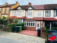A stunning double room in a refurbished five bedroom house
