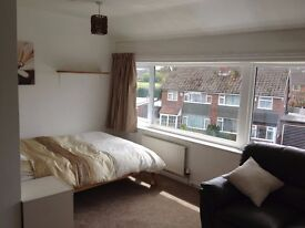 Huge double room with sofa Rent includes all bills Easy access to airport CC 11 mins by train