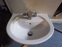 SMALL PURE WHITE SINK