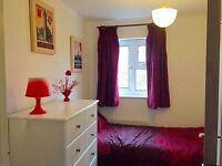 LOVELY SMALL SINGLE ROOM JUST A FEW MINUTES TO DOLLIS HILL STATION