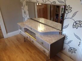 196O'S GREY MARBLE EFFECT DRESSING TABLE WITH MIRROR