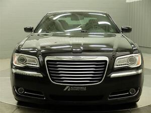 2014 Chrysler 300 AWD MAGS TOIT PANO CUIR West Island Greater Montréal image 2