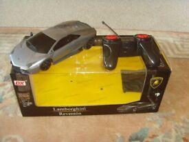 LAMBORGHINI REVENTON REMOTE CONTROL CAR WITH W0RKING REAR AND HEAD LIGHTS.