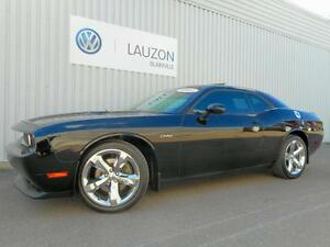 2012 Dodge Challenger SXT PLUS