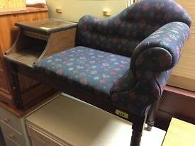 Button back telephone seat
