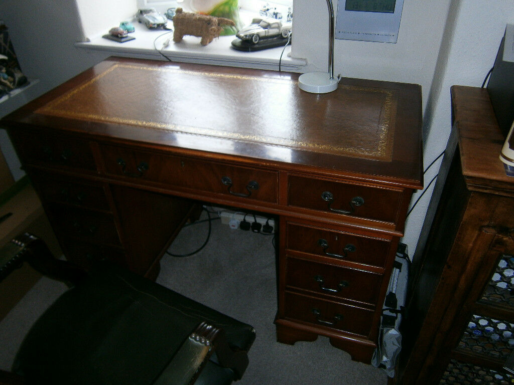 Antique Style Kneehole Desk Leather Top With Leather