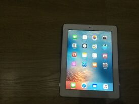 Ipad2 16gb wifi only screen in mint condition back no marks or dents box charger