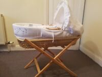 CLAIR DE LUNE WAFFLE WHITE WICKER MOSES BASKET WITH STAND