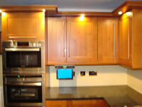 REAL CHERRY FITTED KITCHEN WITH BUILT IN TV