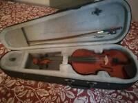 Small 1/4 violin